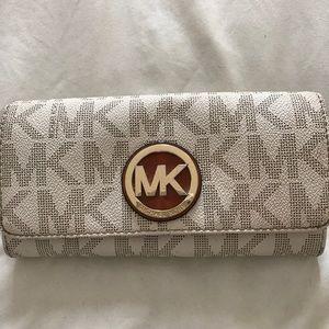 😍MK signature wallet